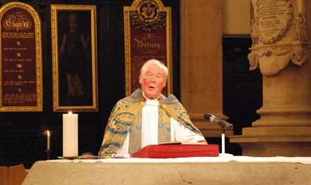 Colin preaching at the 2008 Feltmakers' Carol Service